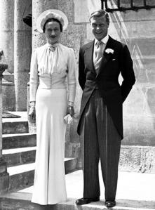 Wallis-simpson-wedding-dress-couple